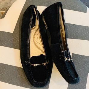 ⬇️$155 Sperry suede driving loafer bamboo detail